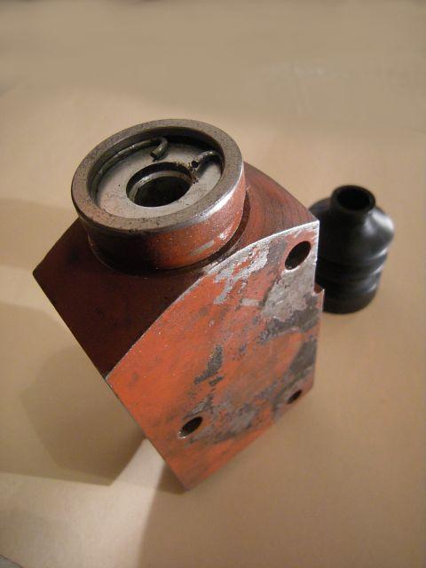 Maitre cylindre Ford vedette > 28.1