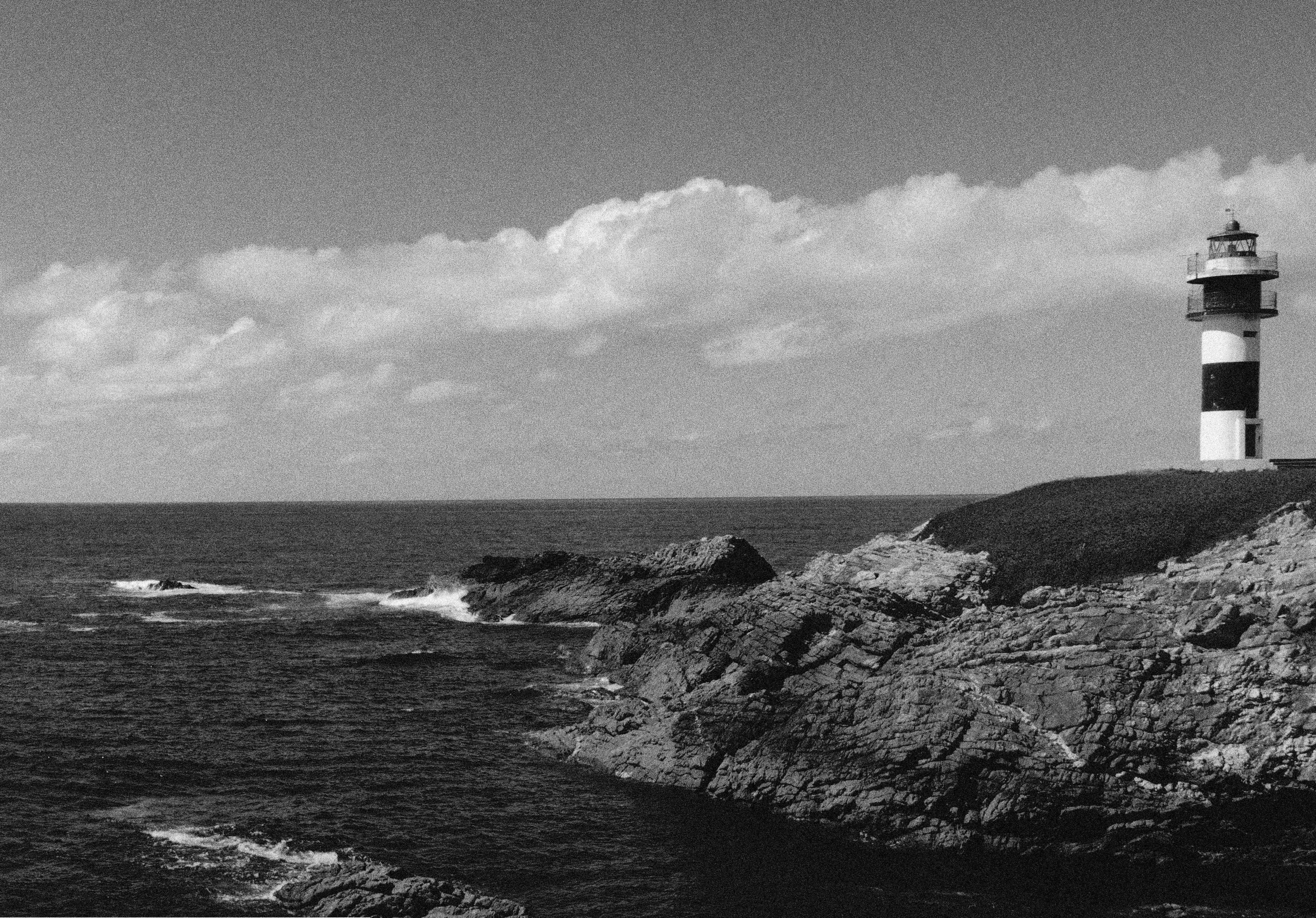 Fotos en Blanco y Negro - Página 2 Panorc3a1mica-faro-ribadeo-blanco-y-negro