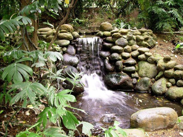 La fonte del monastero Manantial_de_agua-640x640x80-1