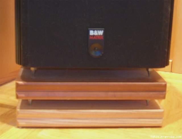 Pie o banco para cajas pesadas y grandes 5f20e0ca