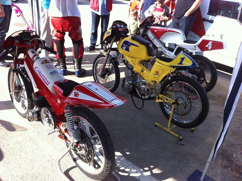 I exhibición motos clásicas en movimiento. Oliva 2014 058aa0dfbc43d846218680b0ade97c3co
