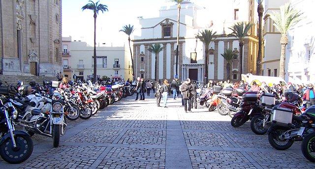 Los Reyes Magos llegan en moto 22b7dfda42f80d3ebbb31a24051c8143o