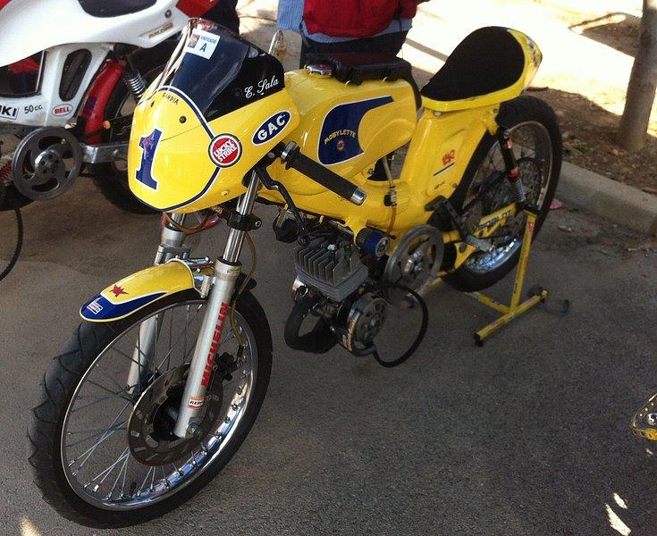 I exhibición motos clásicas en movimiento. Oliva 2014 352d172ef8396728fb4b2cdbed8f28c7o