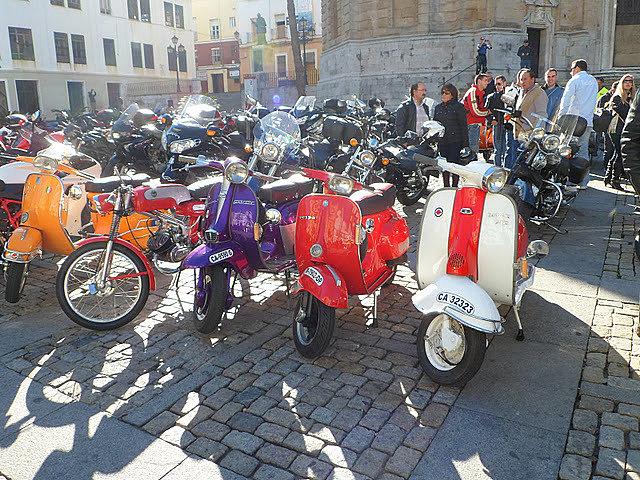 Los Reyes Magos vienen en moto 45ec74854965a5016ccdcfd32c1e6565o