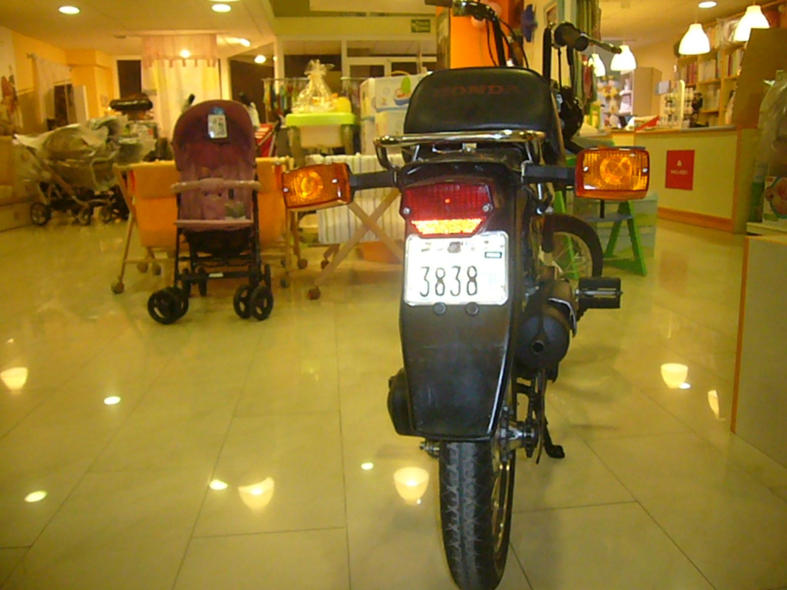 HONDA -  Mi Honda PX '84 - Página 2 536ec22d032082524801e16ac3e31b85o
