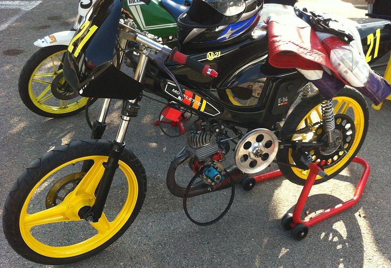 I exhibición motos clásicas en movimiento. Oliva 2014 54ba4193d4fe54606d7c5597f46e6041o