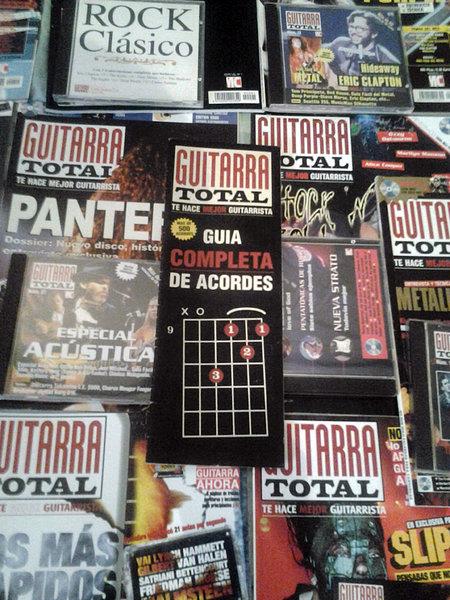 """VENDO REVISTAS SUELTAS """"GUITARRA TOTAL+CD'S"""" VENDIDAS!! 5efc8caba9f0a6b41eebdcf5837ad890o"""