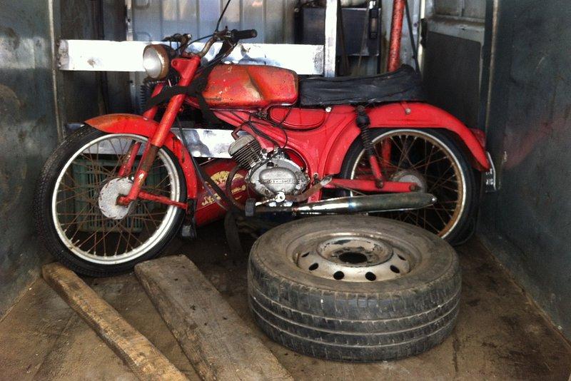 Nuevo proyecto: Moto Guzzi Dingo I 63c44681595cadffbe75810764d28741o