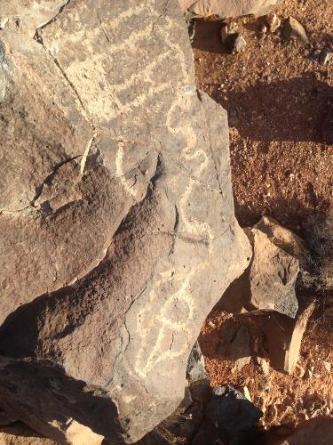 Recorrido de 1300 millas mas fotos de petroglificos de la mizma zona, misma montaña 67b9c79dfb586d528f140fc3a91e8d42o