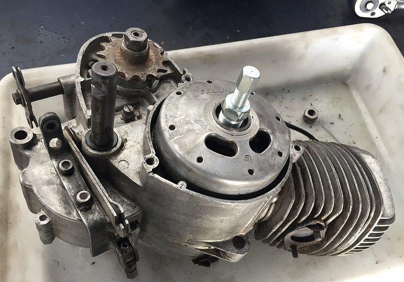 Nuevo proyecto: Moto Guzzi Dingo I 6bdd1cb7b47f6dbbffa9de49c519abf9o