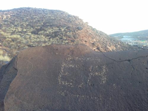 Recorrido de 1300 millas mas fotos de petroglificos de la mizma zona, misma montaña 786eb7160c22a662197fc417e09a9711o