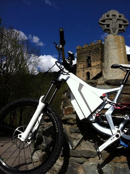Mi segunda bici eléctrica, specialized demo7. - Página 4 7de332ddd2369d28103a08c427996c74o