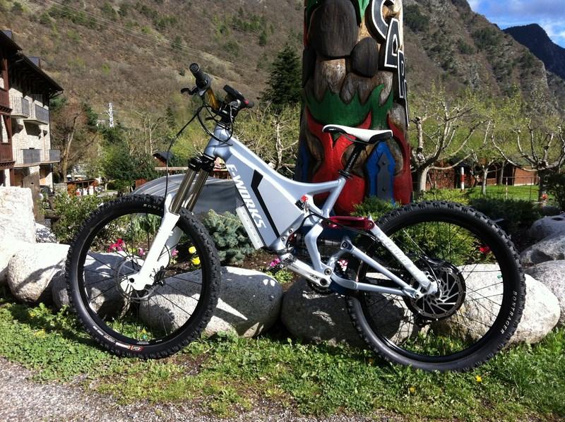Mi segunda bici eléctrica, specialized demo7. - Página 4 8318229ac0a8c440d4588230a940e263o