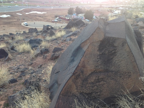 Recorrido de 1300 millas mas fotos de petroglificos de la mizma zona, misma montaña 970fb33bdc927c4b30037c20e5b89670o