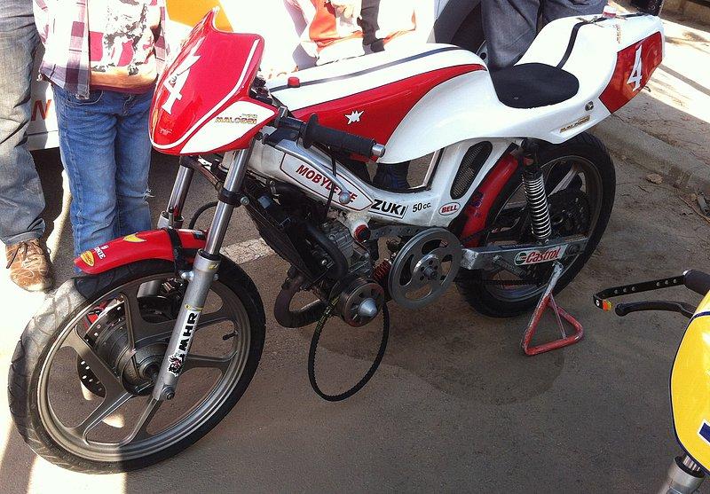 I exhibición motos clásicas en movimiento. Oliva 2014 Ada74926d60e5632be8e913e99b36a23o