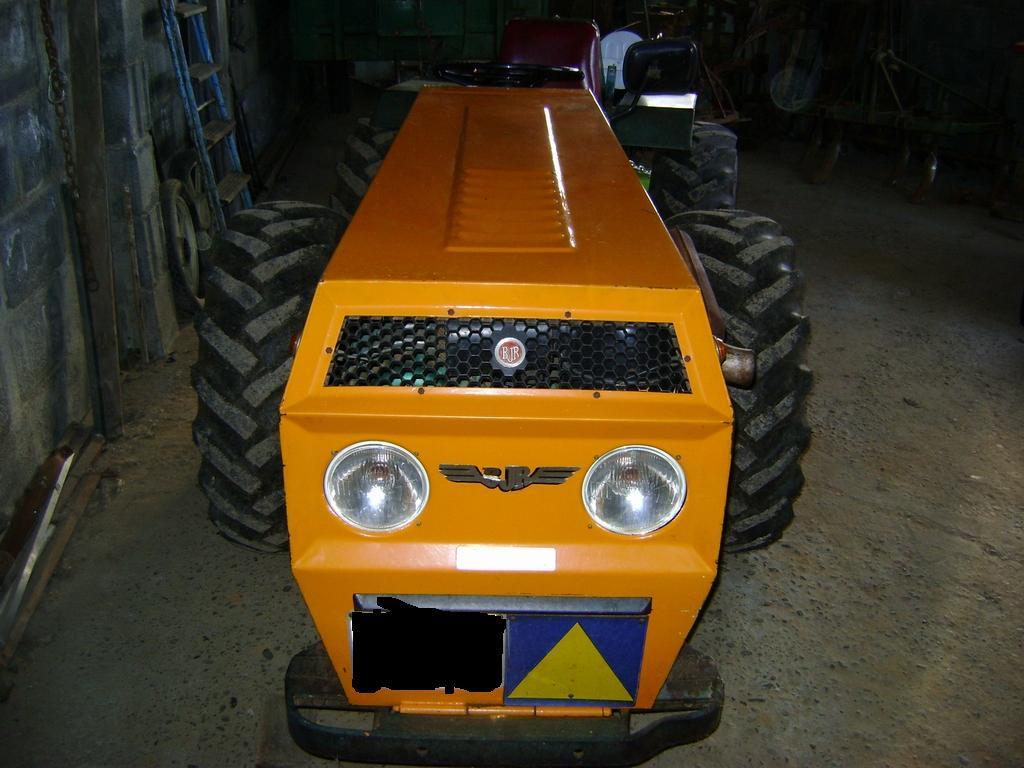 [BJR F-5000] Lo prometido es deuda, las fotos de mi tractor Bf4324200abd74f9bc1cb2ecb6d49ee5o
