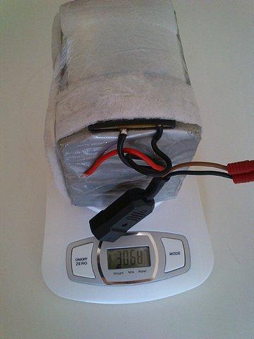 """Batería LiFePO4 36v10Ah compacta y """"ligera"""" Fbd98513ef51e2dbbe591d38fa06b9d8o"""