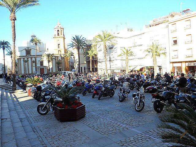 Los Reyes Magos vienen en moto Ffce99f2028ce1d9198be09f0dbb38eao