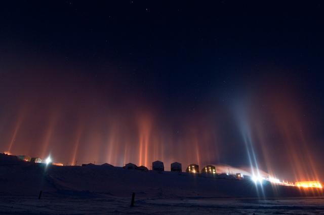 IMAGENES: visiones de la Tierra capturadas por el ojo humano Pilares-luz-antartida