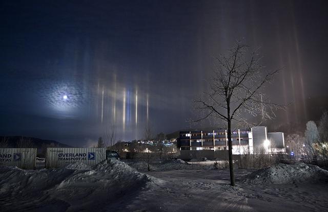 IMAGENES: visiones de la Tierra capturadas por el ojo humano Pilares-luz-suecia