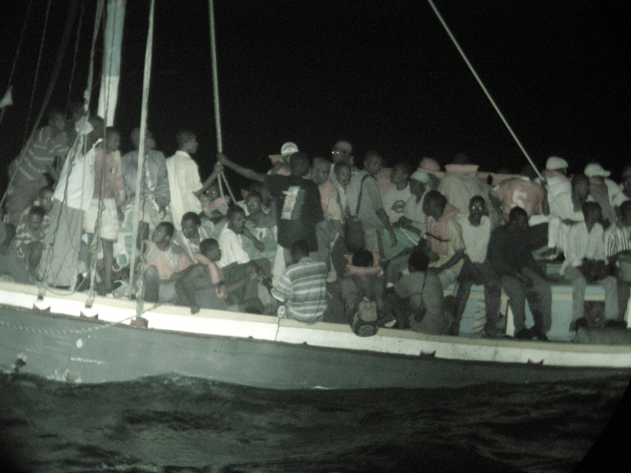 Les arches Boat_People_from_Haiti
