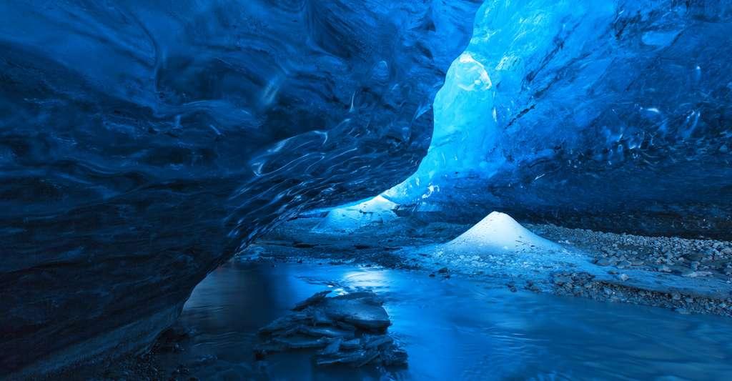 Actu scientifique mystère 7e080c8439_112555_grotte-antarctique-vie