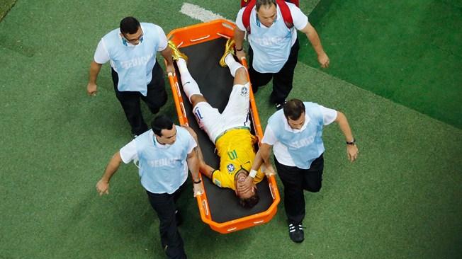 Le PlaymoBar c'est ici !!! - Page 24 Neymar-blesse