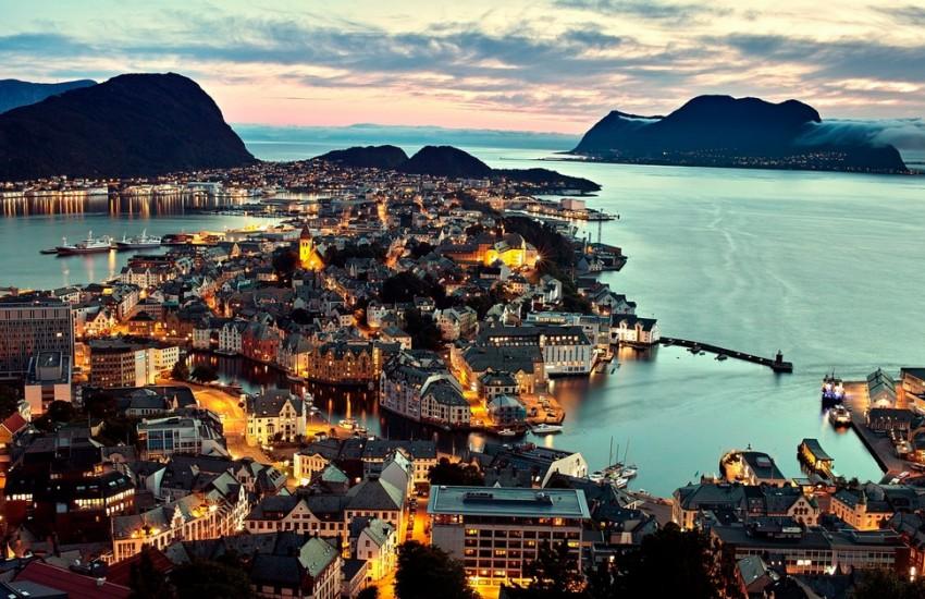 Роскошные пейзажи Норвегии - Страница 39 Olesunn-850x550