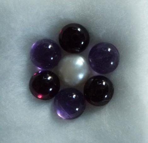 Pendentif cinq cabochons topazes bleues et un cabochon tourmaline P1090470%20%28471%20x%20455%29
