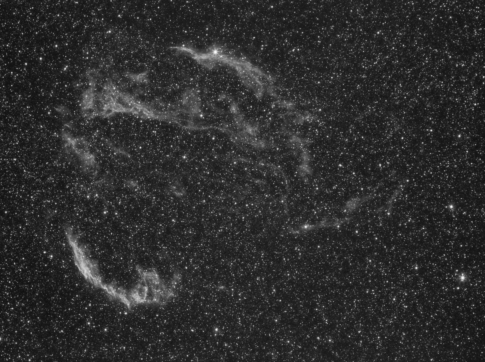 Nébuleuse du voile dans le Cygne à la CCD Voile4