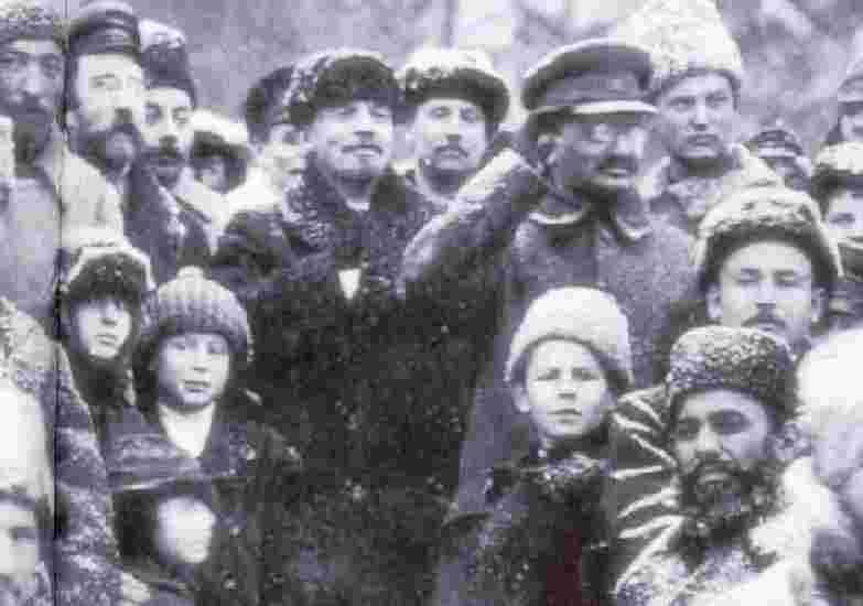 Bilan du troskisme  Trotsky_lenin
