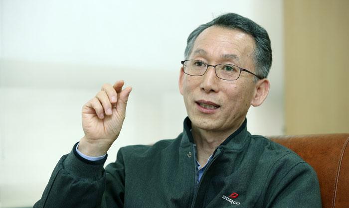Lames Boni Dorco_CEO_BaekHakgi_L2