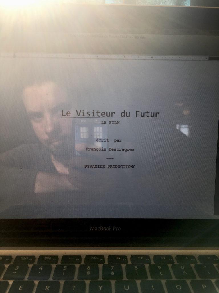[2018.10.11] LE VISITEUR DU FUTUR - LE FILM ! Photo-annonce-Visiteur-du-Futur-Le-Film-768x1024