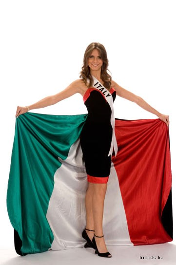 Miss Universe 1214359228_italy