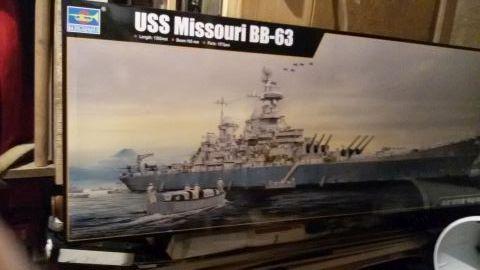 USS Missouri BB-63 / Trumpeter,  1:200 Imcl8fvg