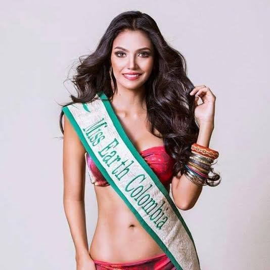 top 8 de miss earth 2015, candidata a miss colombia mundo 2018. F52gbusp
