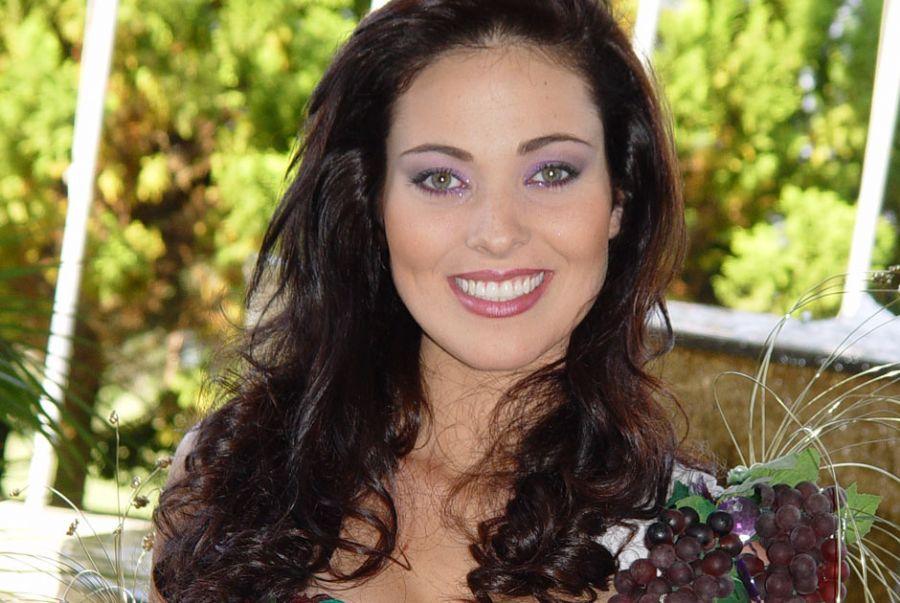 fabiane niclotti, miss brasil 2004. descanse em paz, querida fabiane. Ajm9yiop