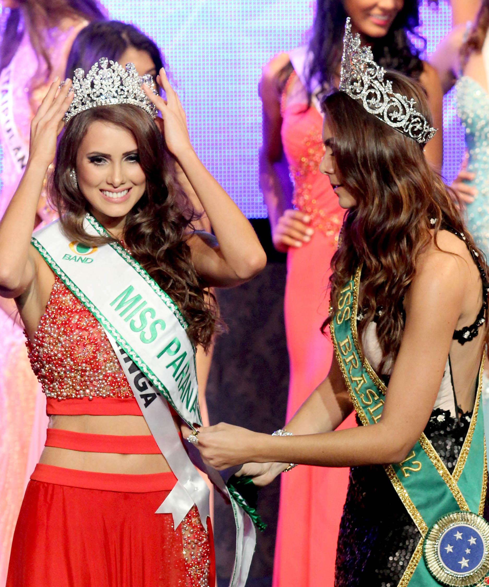 gabriela markus, miss brasil 2012. - Página 4 64ya5vwd