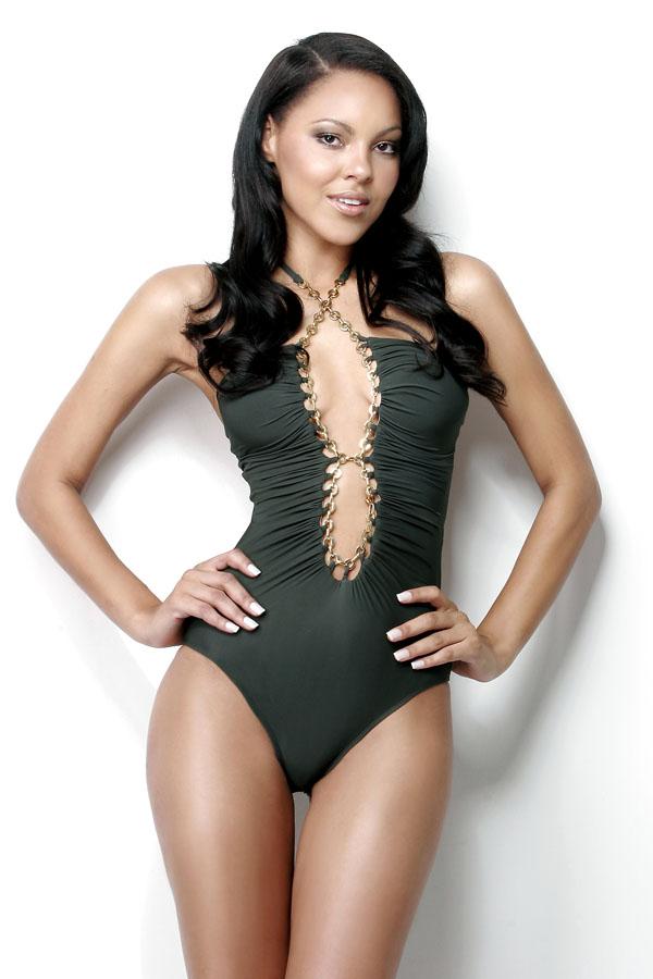 jeanine castro, top 2 de miss tourism queen international 2011. Commemn3