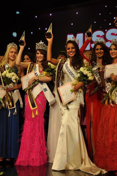 jeanine castro, top 2 de miss tourism queen international 2011. K93agoh4