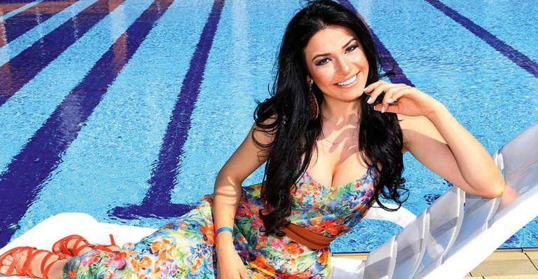 julia gama, miss brasil universo 2020/top 11 de miss world 2014. Rpo9ibl9