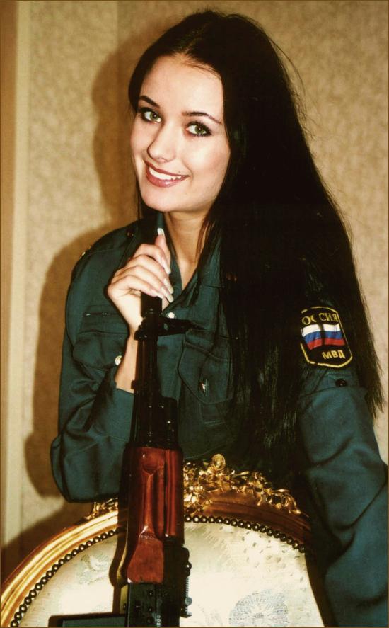 oxana fedorova, miss universe 2002 (renuncio). Vclxkens