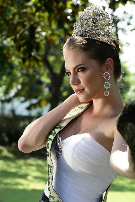 alexandra braun, miss earth 2005. E56ukc8o