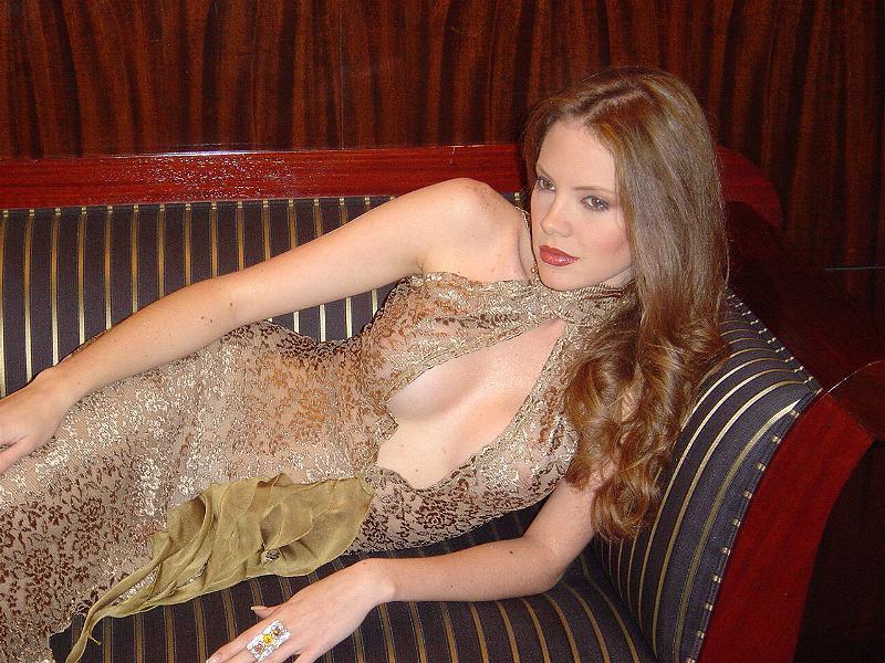 alexandra braun, miss earth 2005. - Página 5 Fapqd2na