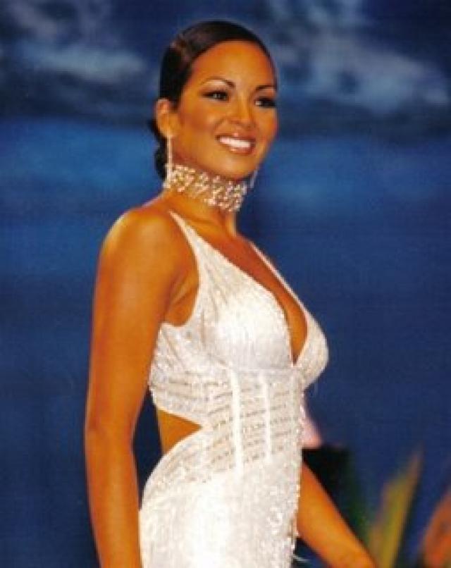 adriana zubiate, miss peru universe 2002. - Página 2 Ppi97goi