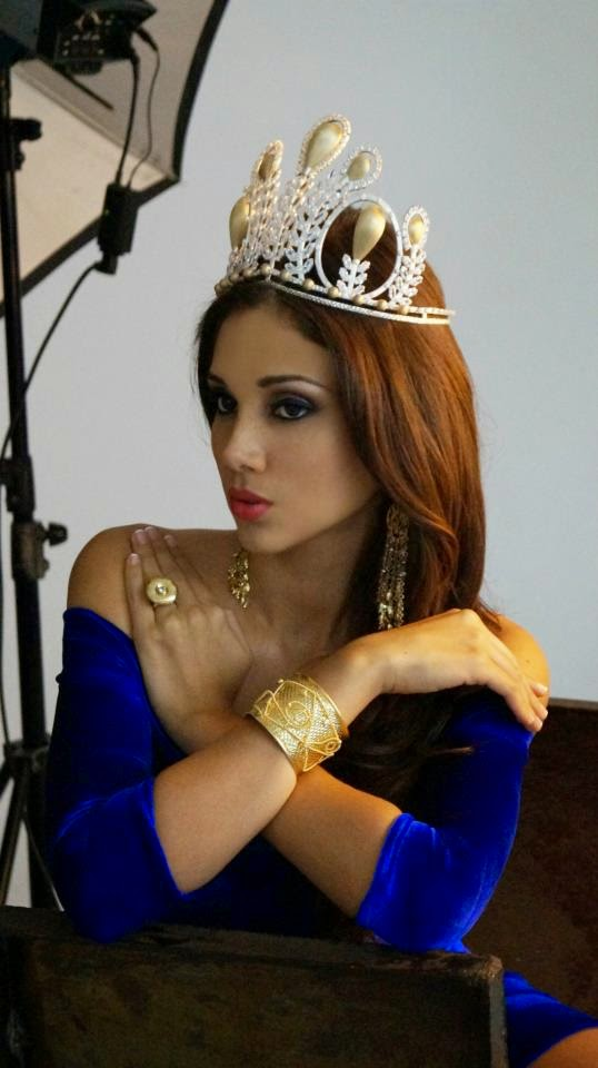 elba fahsbender, miss mundo peru 2013.   - Página 2 9wpq6cdx