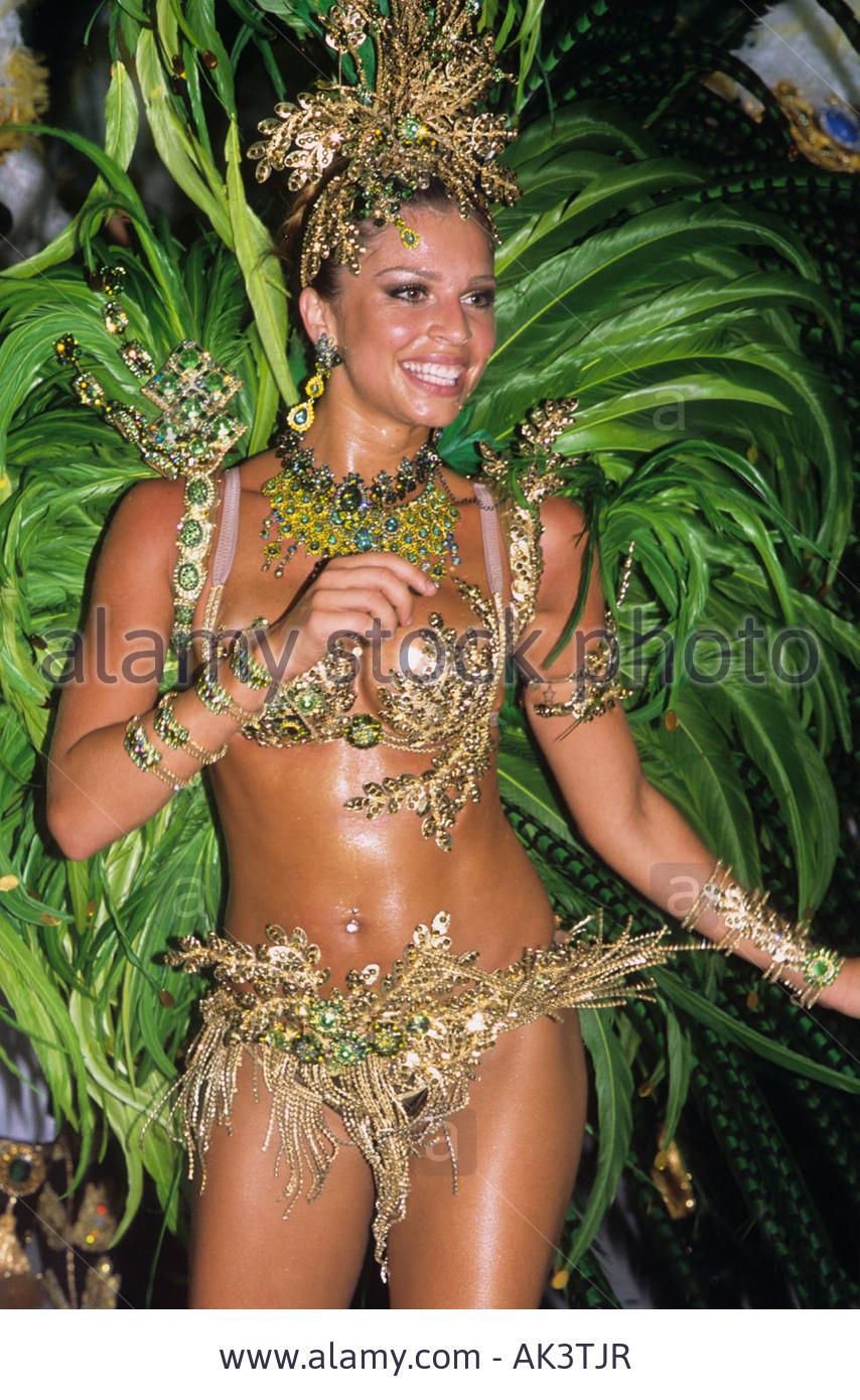 grazielli massafera, miss brasil internacional 2004. - Página 4 Gwda8ilj