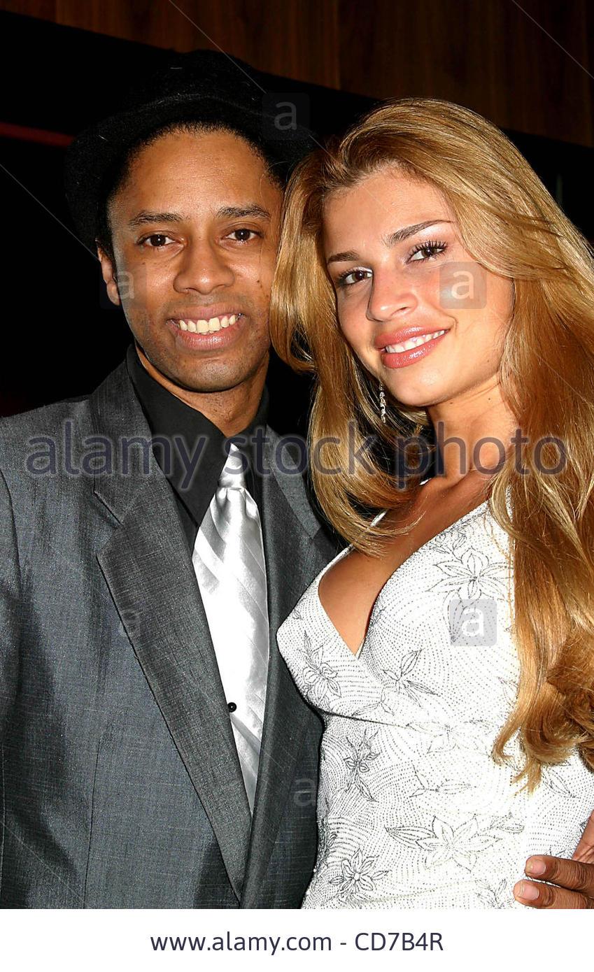 grazielli massafera, miss brasil internacional 2004. - Página 4 Ubrazr7r
