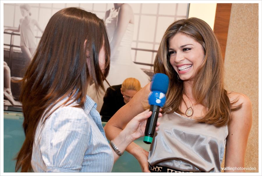 grazielli massafera, miss brasil internacional 2004. - Página 23 7ikn27ff