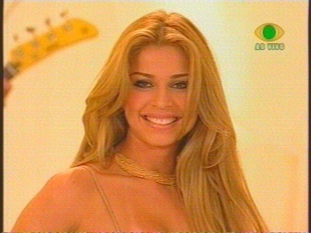 grazielli massafera, miss brasil internacional 2004. - Página 23 Jakxx3ff